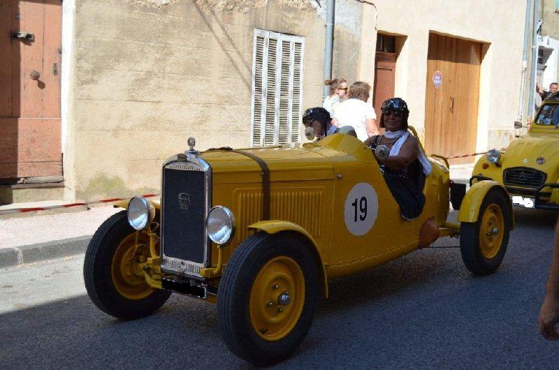Bouchon dans le village de Tourves (Var) le 15 aout 2013 Dsc_0710