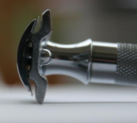 """Merkur 34c """"HD"""" - Rasoir 2 pièces - Tête à peigne fermé Tate_m10"""
