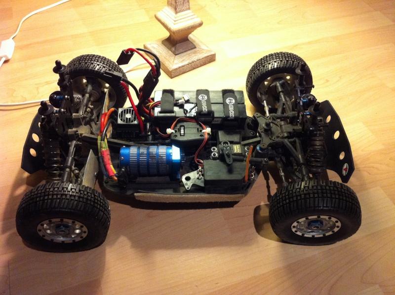 RC8e de Gambler /hybride SC8/SC10 Img_1227
