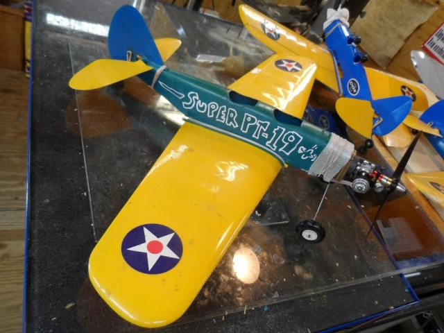 """Super PT-19 !!  IT FLYS !!!!!  (or, """"How I Test the Tensile Strength of Spider Wire !!) 5_14"""