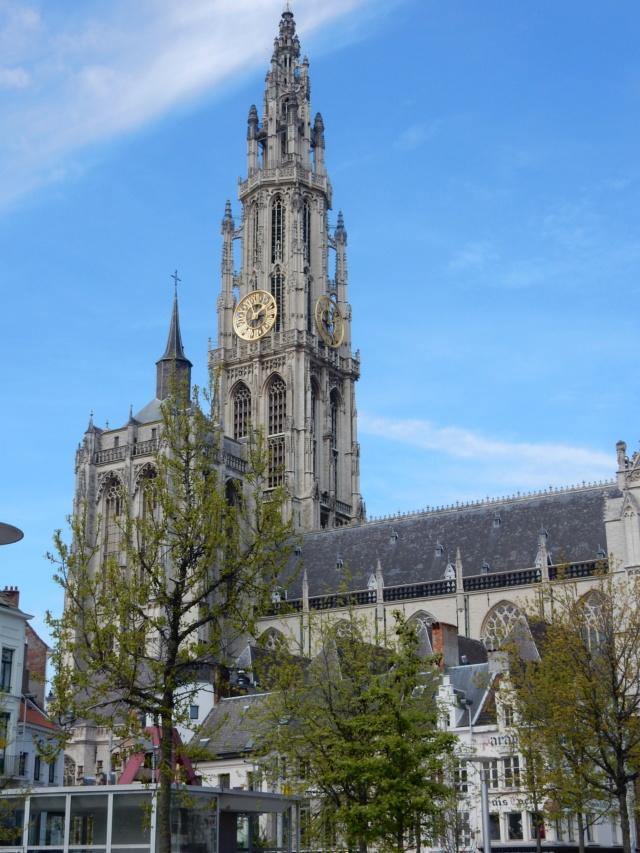 Paris : Notre Dame est en feu !!! - Page 3 Bezoek10