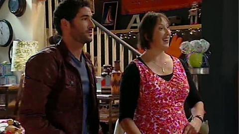 Miranda 1x04 Holiday P0059k10