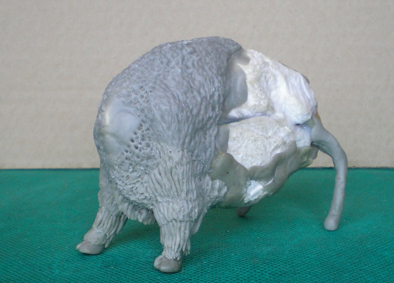 Bison-Kuh in eigener Modellierung für die Figurengröße 7 cm 137e4h13