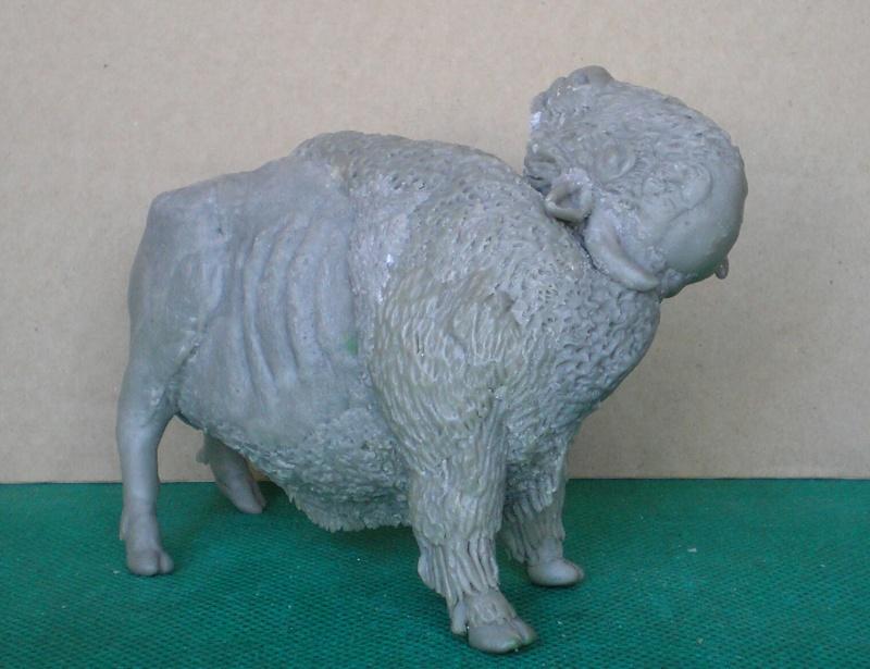 Bison-Kuh in eigener Modellierung für die Figurengröße 7 cm 137g6a10