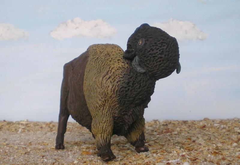 Bison-Kuh in eigener Modellierung für die Figurengröße 7 cm 137h5c10