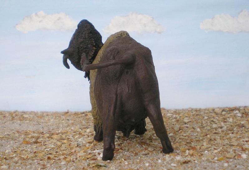 Bison-Kuh in eigener Modellierung für die Figurengröße 7 cm 137h5e10