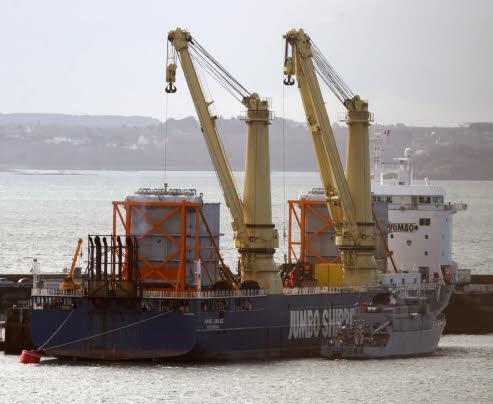 [Les ports militaires de métropole] Port de BREST - Page 2 20368810