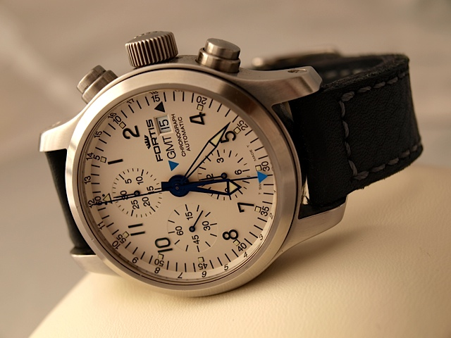 Fortis B42 Flieger Chrono GMT  Image810