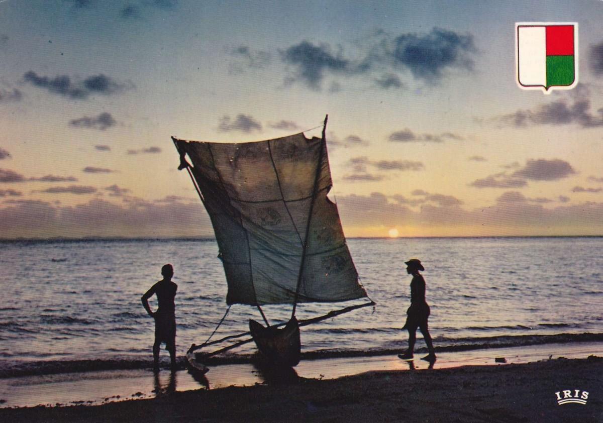 [Dives campagne Madagascar] EN PIROGUE A MADAGASCAR Img_0010