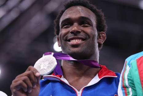 [Rumeurs] La WWE intéressée par un médaillé olympique ? 20120810