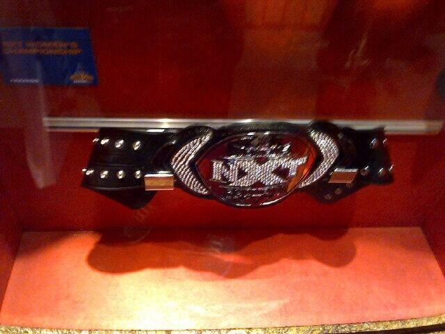[Rumeurs] Une ceinture féminine à NXT ? Bhhdkj10