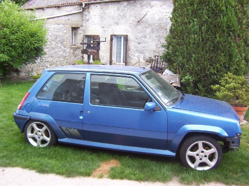 Renault 5 GT Turbo phase II Bleu lumiére 495  Photo_10