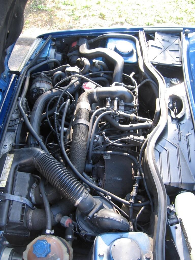 Renault 5 GT Turbo phase II Bleu lumiére 495  Photo_19