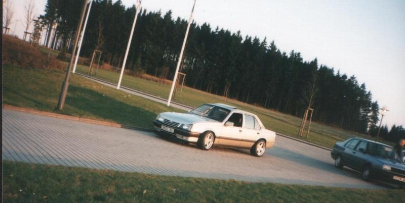 Suche Bild eines Ascona C mit 60/40 Fahrwerk Asc_610