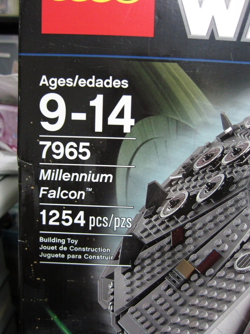 REVIEW: Lego Star Wars 7965 Millennium Falcon (2011) Img_5929