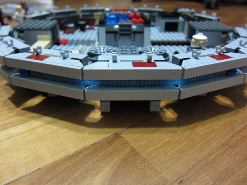 REVIEW: Lego Star Wars 7965 Millennium Falcon (2011) Img_5962