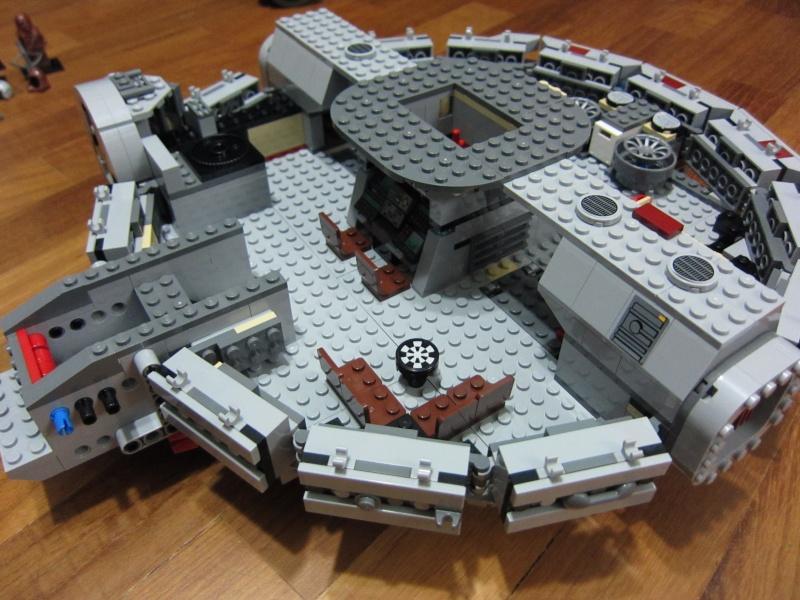 REVIEW: Lego Star Wars 7965 Millennium Falcon (2011) Img_5968