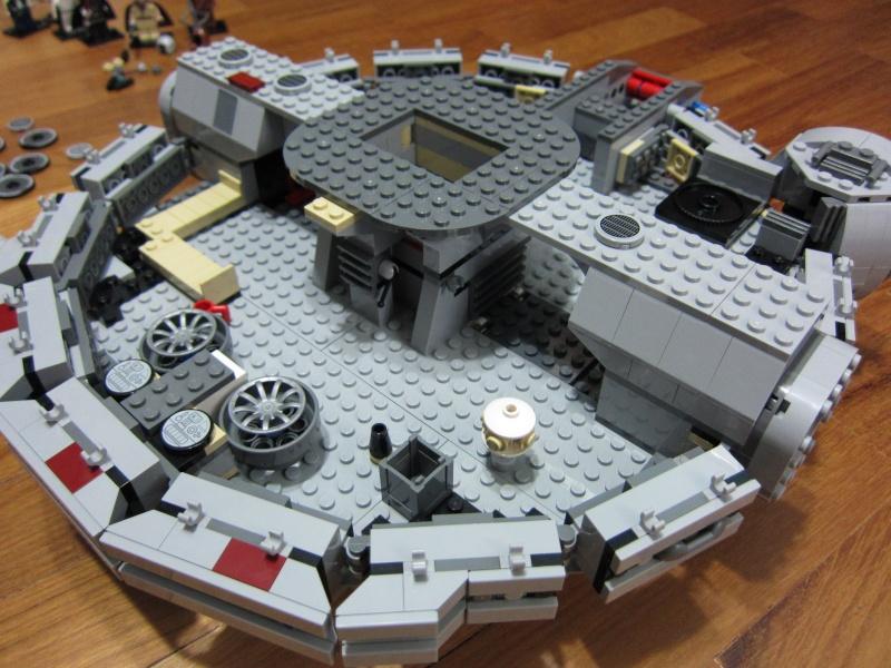 REVIEW: Lego Star Wars 7965 Millennium Falcon (2011) Img_5969