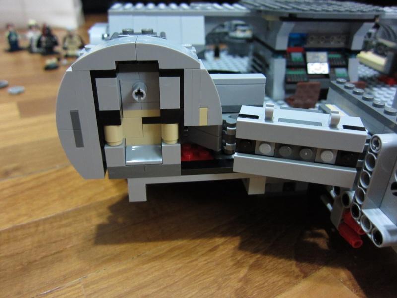 REVIEW: Lego Star Wars 7965 Millennium Falcon (2011) Img_5970