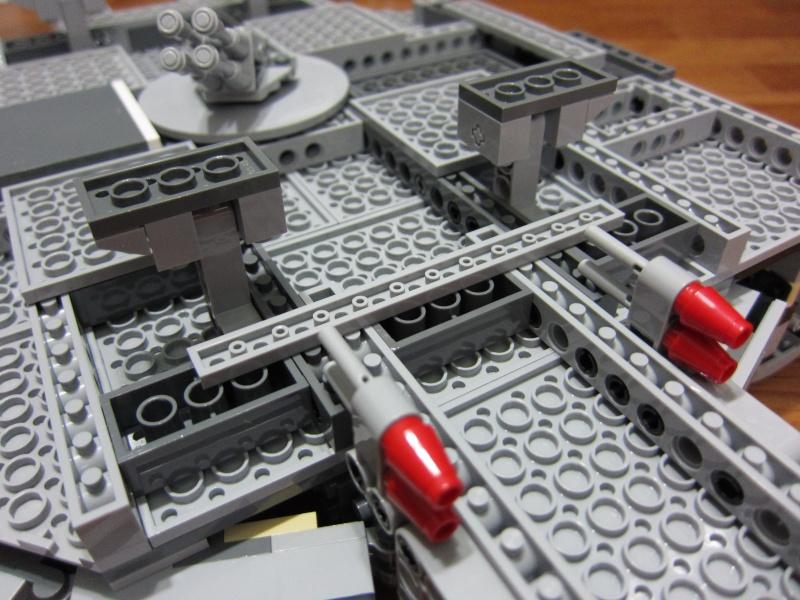 REVIEW: Lego Star Wars 7965 Millennium Falcon (2011) Img_5972