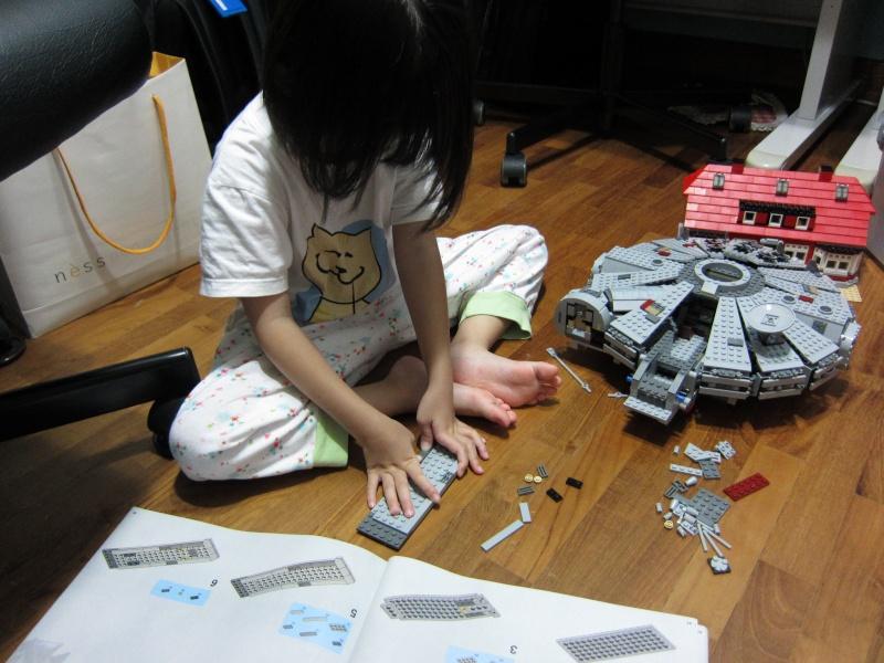 REVIEW: Lego Star Wars 7965 Millennium Falcon (2011) Img_5975
