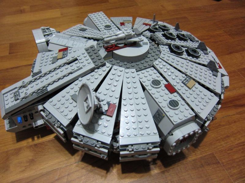 REVIEW: Lego Star Wars 7965 Millennium Falcon (2011) Img_5976