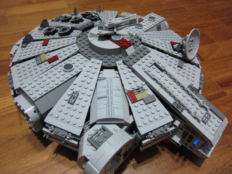 REVIEW: Lego Star Wars 7965 Millennium Falcon (2011) Img_5977