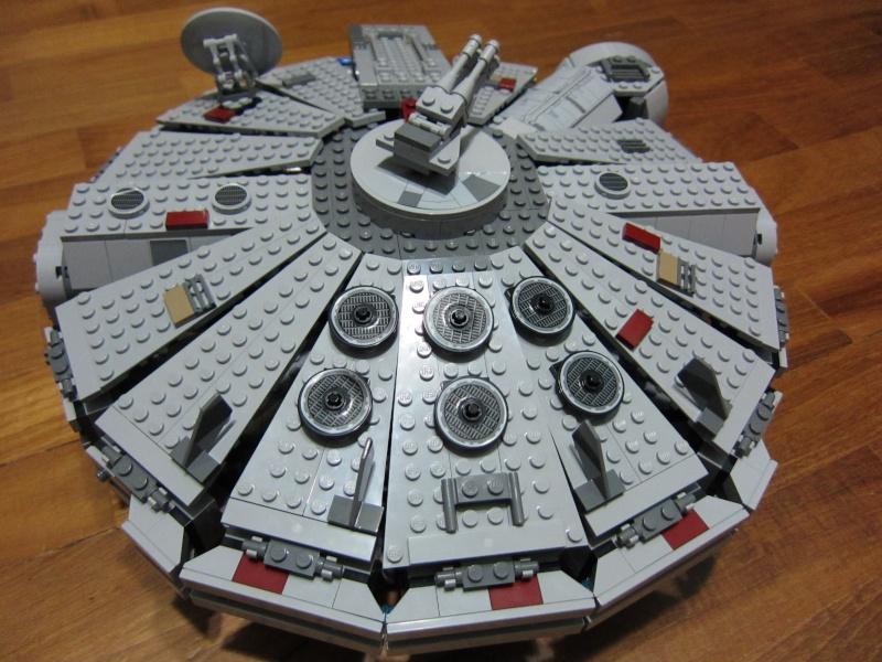REVIEW: Lego Star Wars 7965 Millennium Falcon (2011) Img_5978