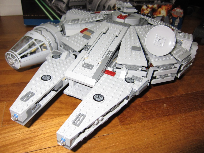REVIEW: Lego Star Wars 7965 Millennium Falcon (2011) Img_5982