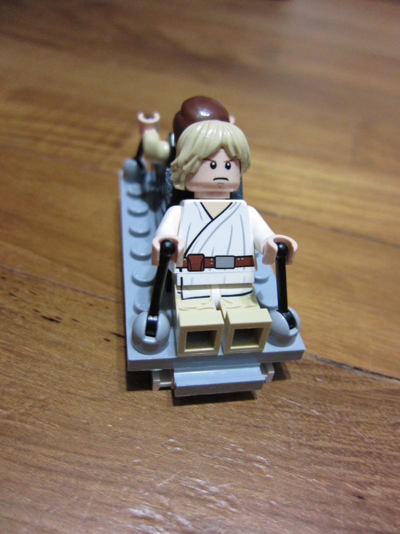 REVIEW: Lego Star Wars 7965 Millennium Falcon (2011) Img_5984
