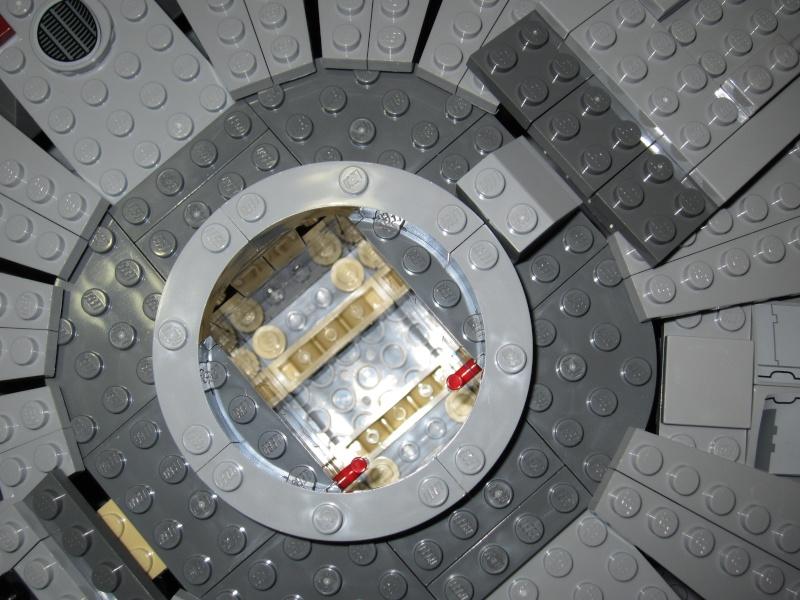 REVIEW: Lego Star Wars 7965 Millennium Falcon (2011) Img_5987