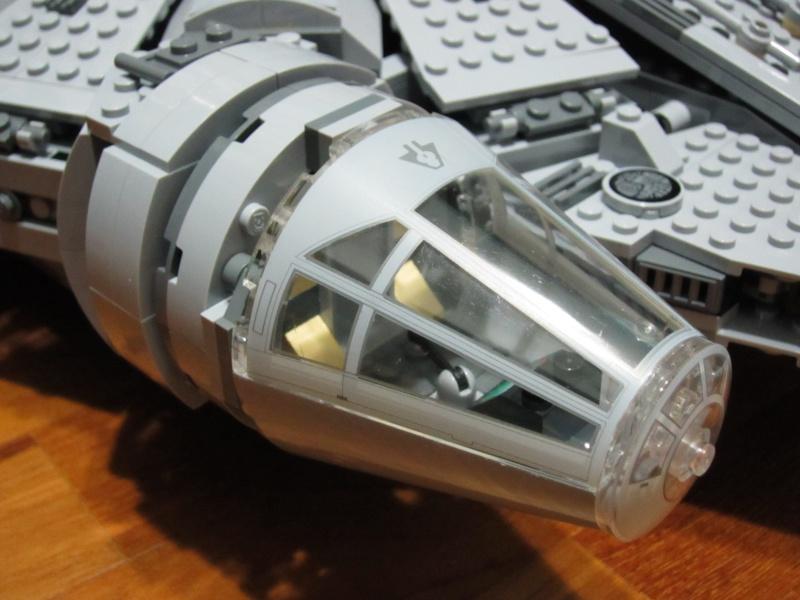 REVIEW: Lego Star Wars 7965 Millennium Falcon (2011) Img_6011