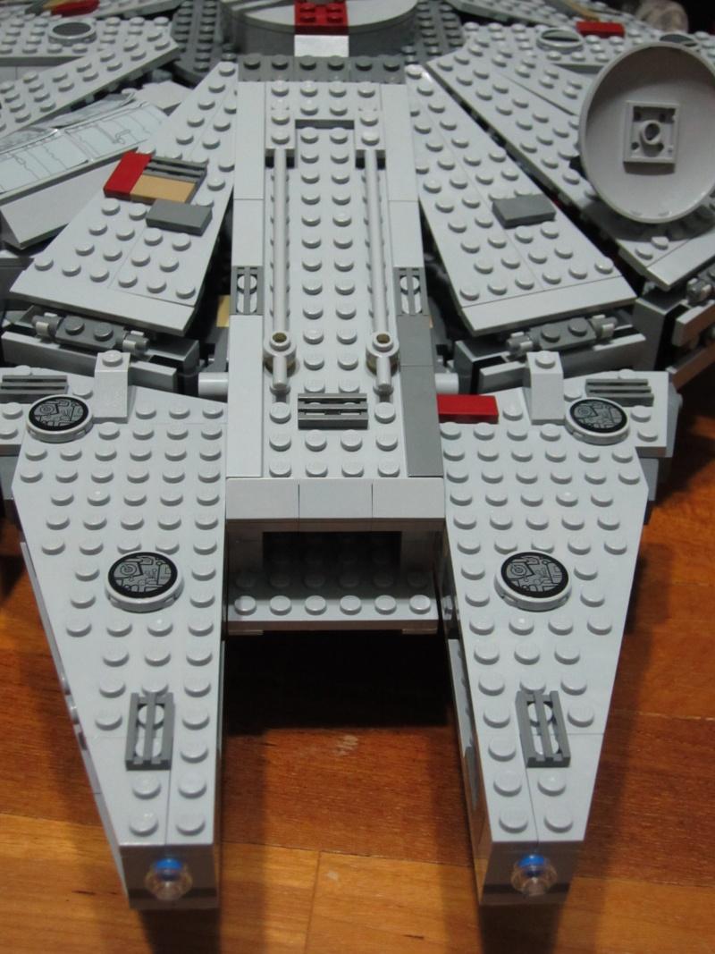 REVIEW: Lego Star Wars 7965 Millennium Falcon (2011) Img_6012