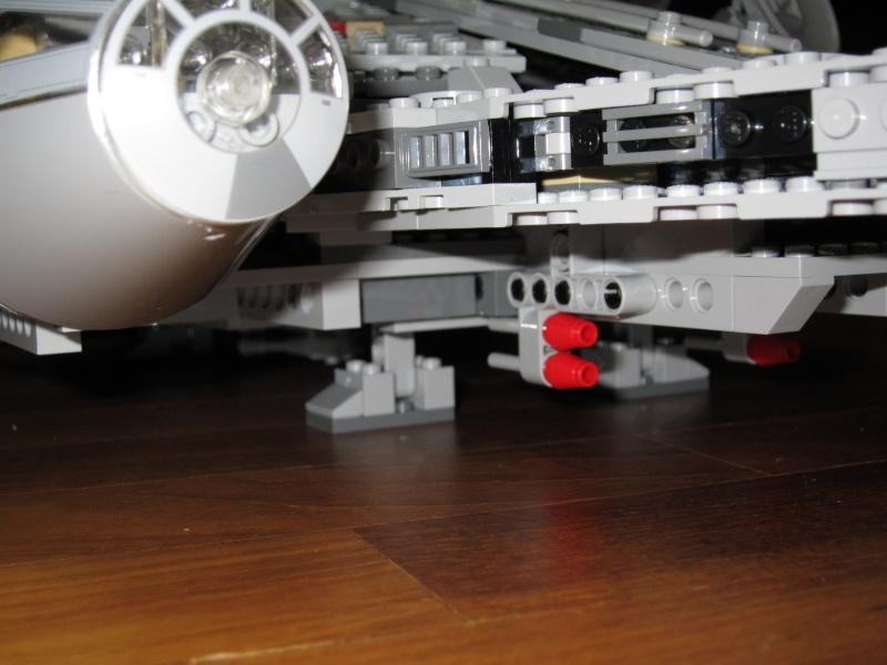 REVIEW: Lego Star Wars 7965 Millennium Falcon (2011) Img_6013