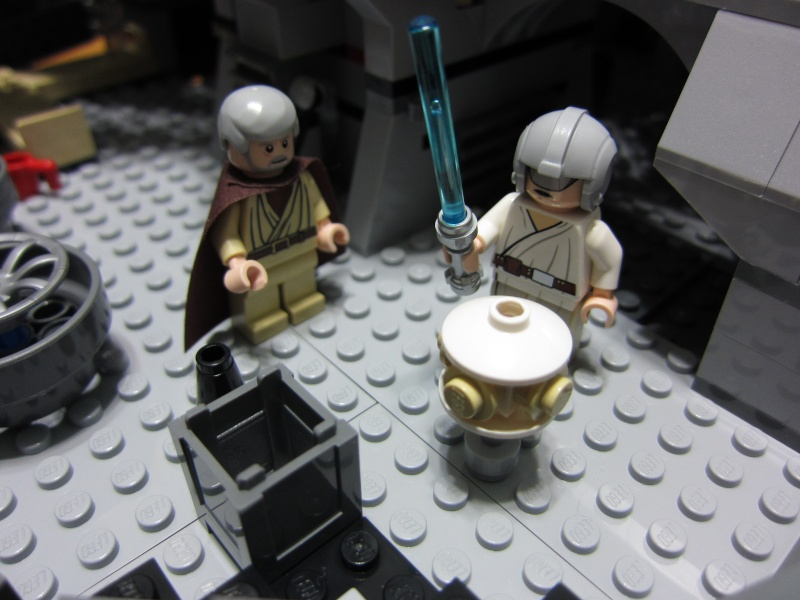 REVIEW: Lego Star Wars 7965 Millennium Falcon (2011) Img_6017