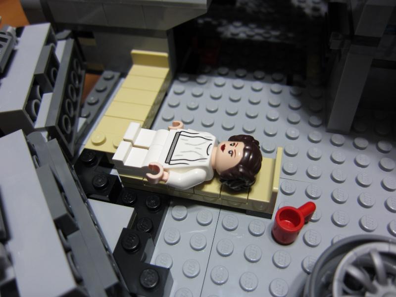 REVIEW: Lego Star Wars 7965 Millennium Falcon (2011) Img_6020