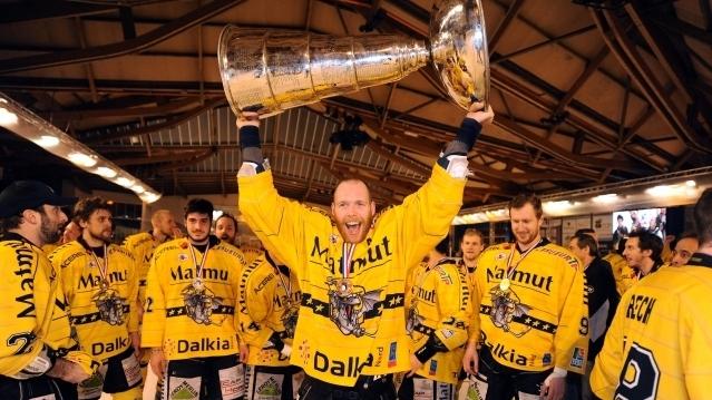 C'est qui le patron c'est les dragons Hockey11