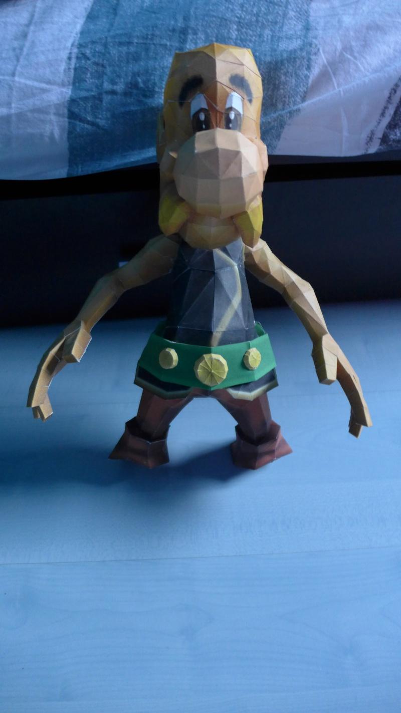 Papercraft (Maquette en carton) avec Astérix et Idéfix P1000610
