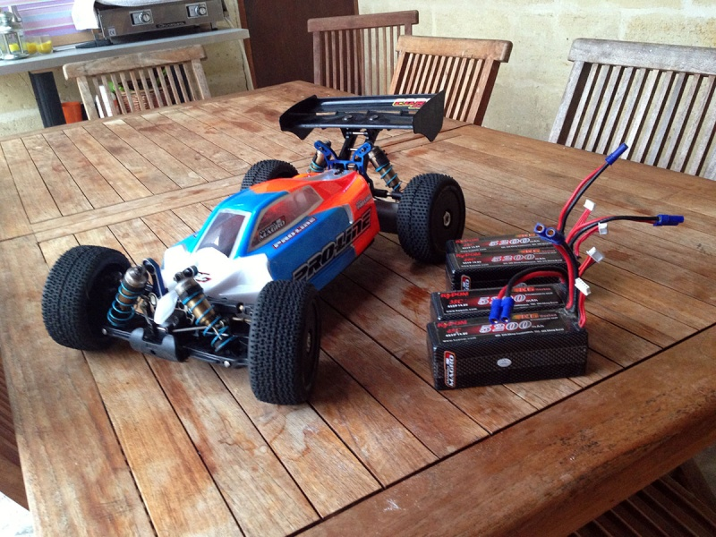 Vends Kyosho MP9 Tekno RC complet Mp9-410
