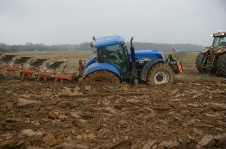 Photos de vos tracteurs - Page 6 48296910