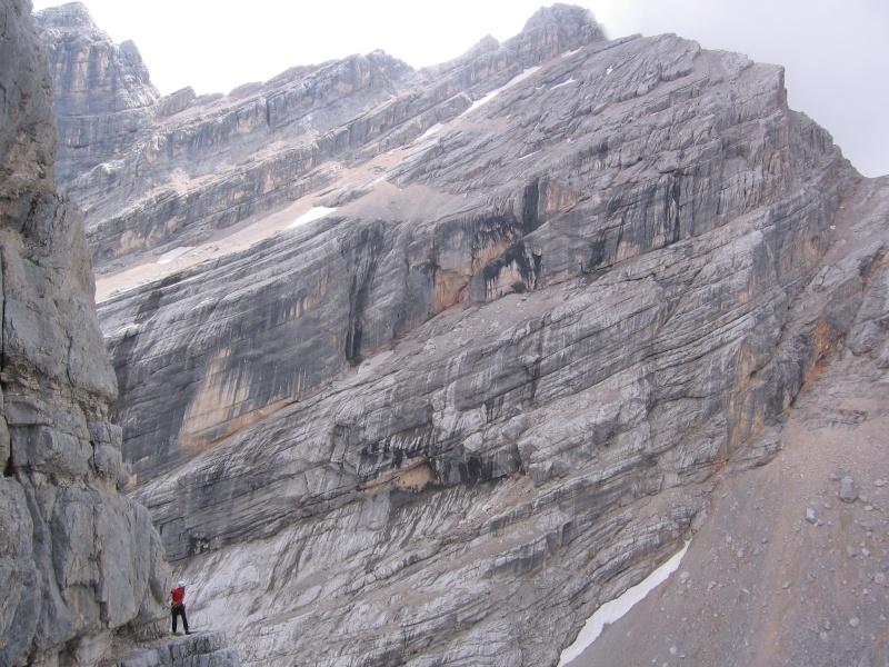 Il primo terzo grado in Dolomiti? Luigi, Santo e la Torre (chiude il Becco) 2210