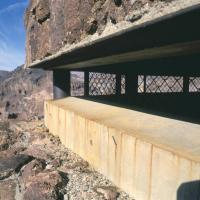 Bunker dans le desert Closeu10
