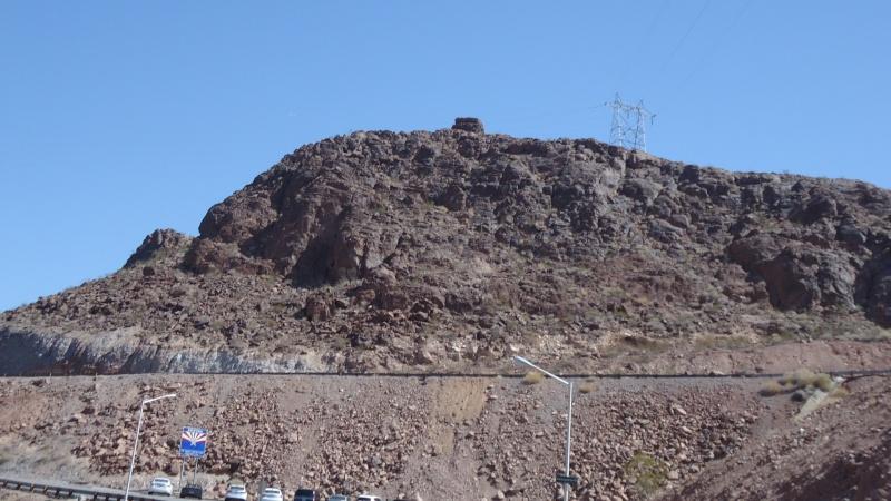 Bunker dans le desert Dsc05110