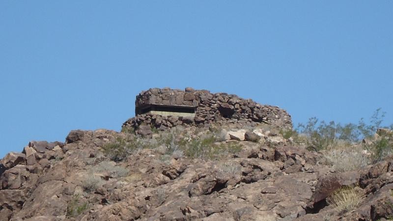 Bunker dans le desert Dsc05113