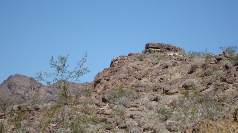 Bunker dans le desert Dsc05114