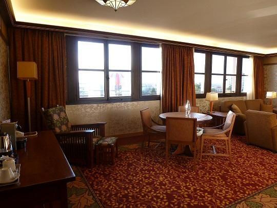 Vos PHOTOS des SUITES (Castle Club, Empire State Club,...) dans les hôtels de DLRP - Page 7 411