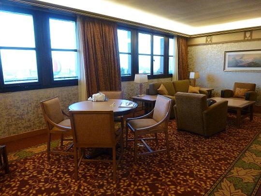 Vos PHOTOS des SUITES (Castle Club, Empire State Club,...) dans les hôtels de DLRP - Page 7 511