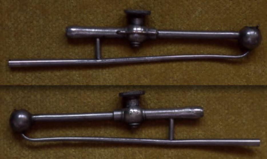 petite lingotière basculant ancienne Chalum10