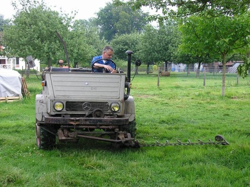 Unimog et MB Trac pour une utilisation agricole dans le monde  - Page 2 Fauche15