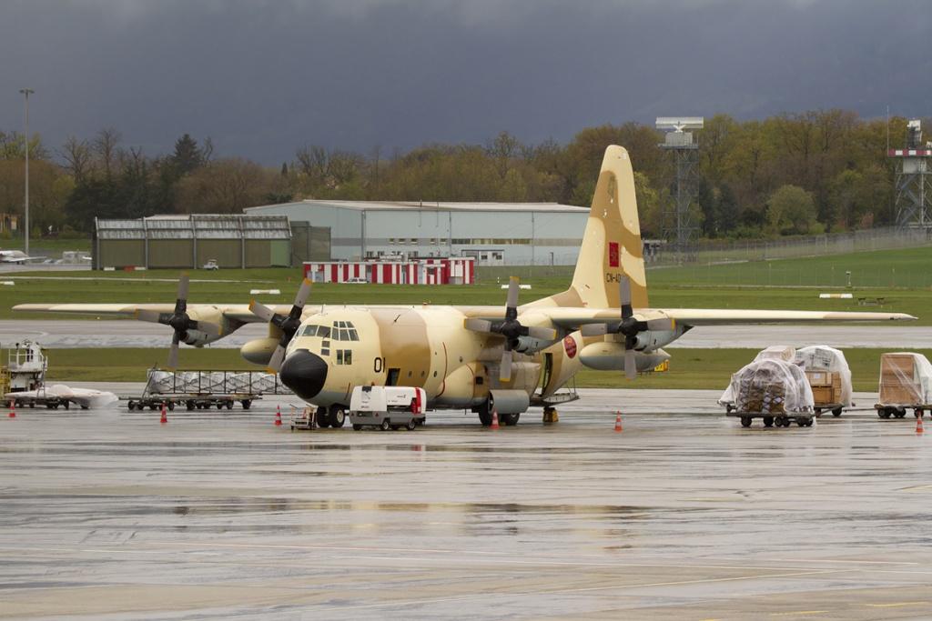 طائرات النقل العاملة بالقوات المسلحة المغربية 8en711